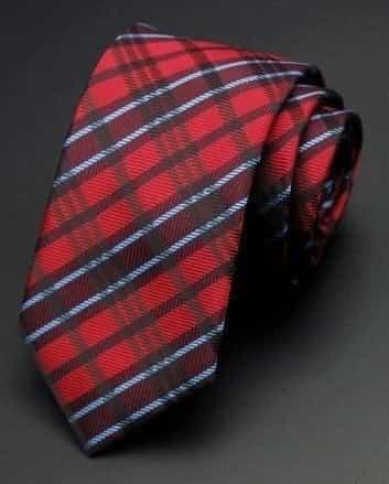 Stribet slips i hvid, sort og rød motiv