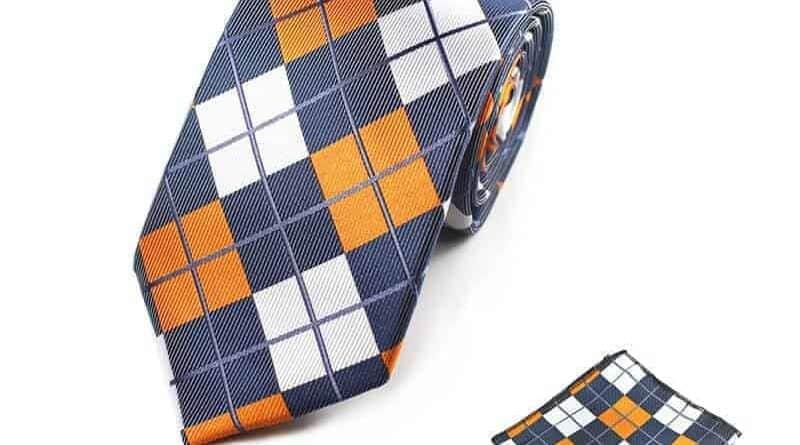 ternet flerfarvet slips med lommeklud