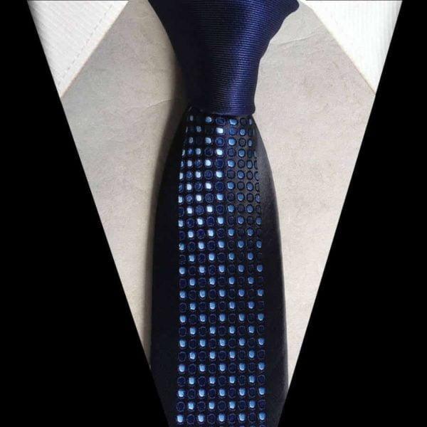 Blå prikket slips003