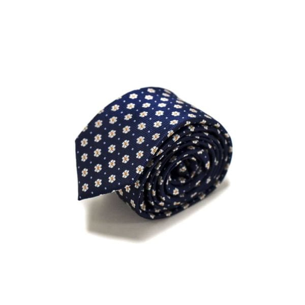 blåt slips med små hvide blomster