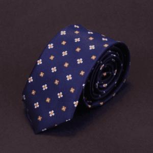 Detaljefyldt moderne slips