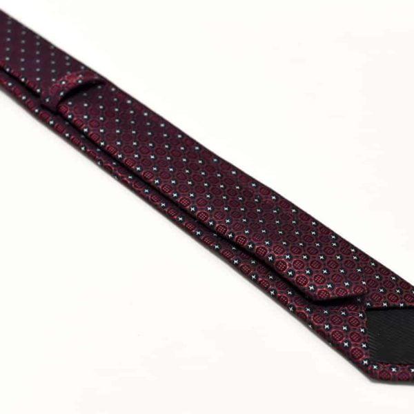 Detaljefyldt-rødt-slips-2