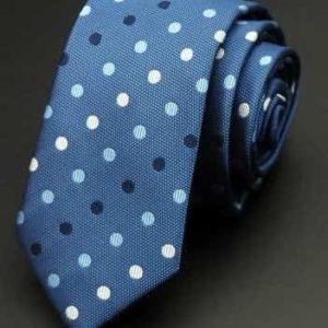 Klassisk prikket slips blå