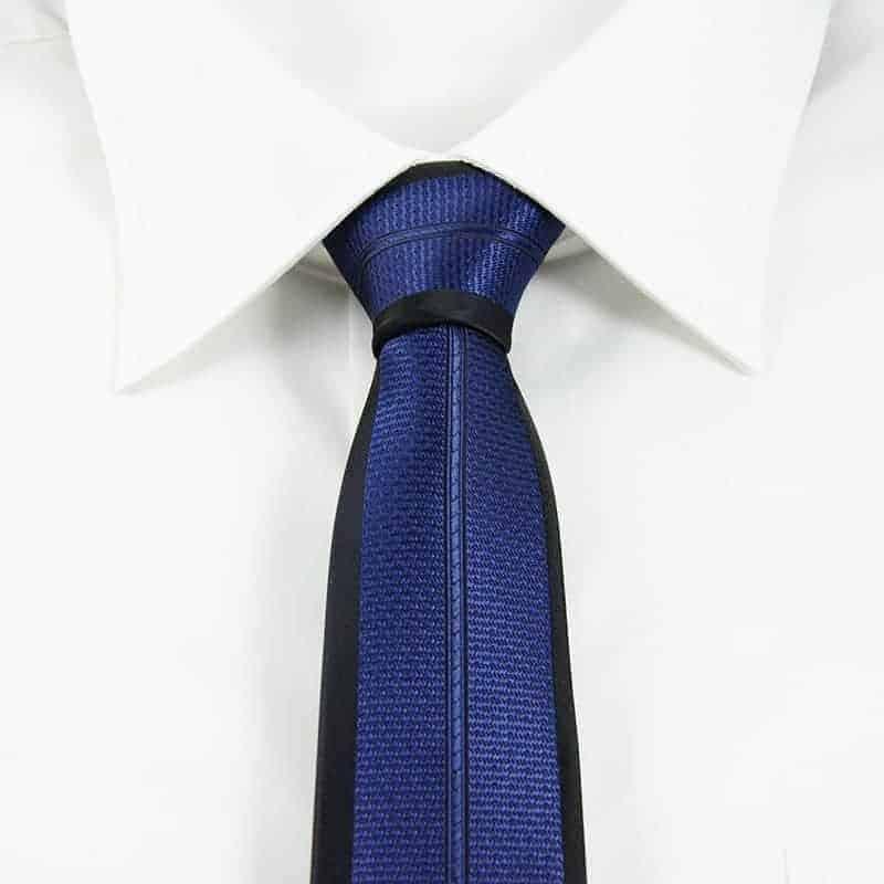 Klassisk slips blå og sort
