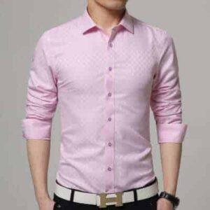 Lyserød skjorte med tern