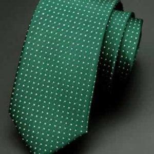 Ternet grønt slips