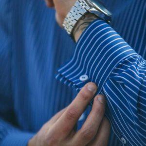 blå og hvid skjorte 015