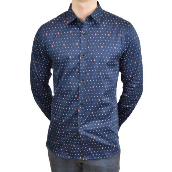 Blaa-skjorte-med-prikker-1