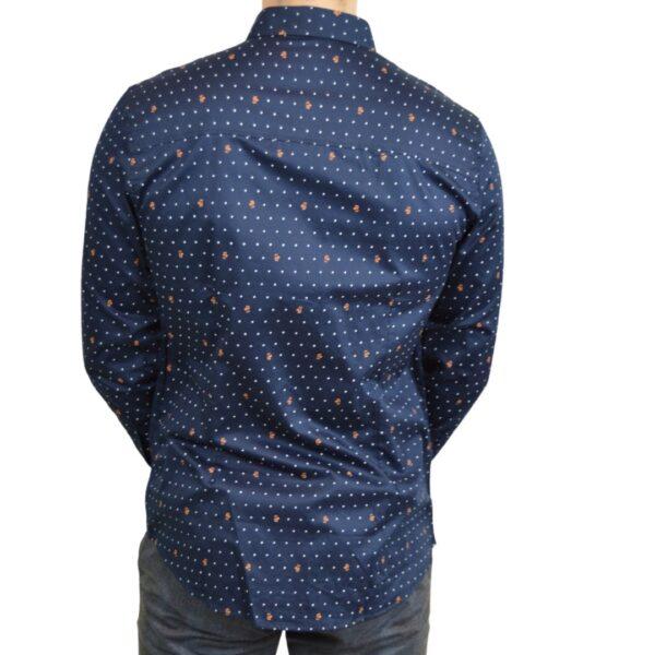 Blaa-skjorte-med-prikker-classic