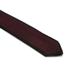 Bordeauxrød-slips-med-symetrisk-mønster1