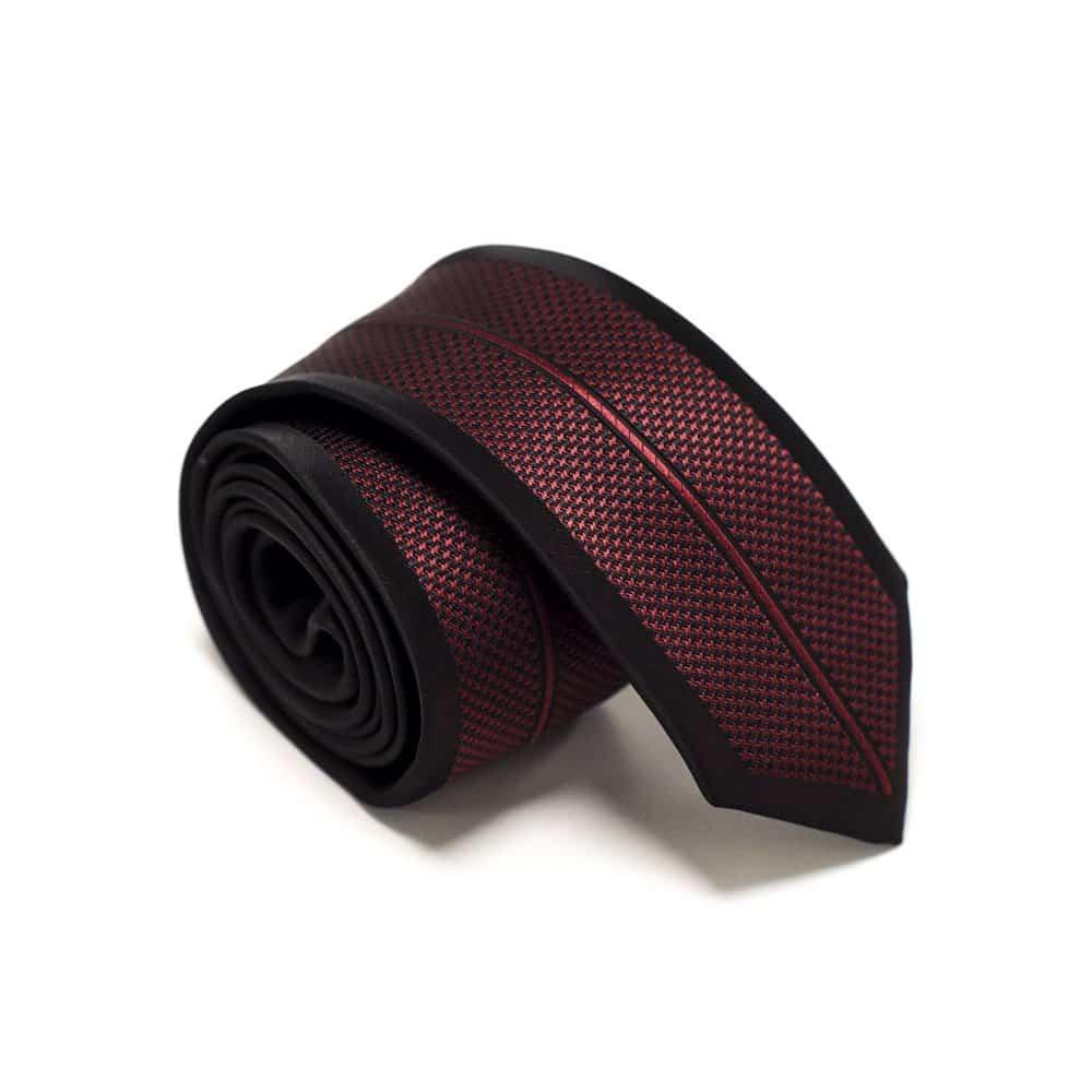 Mønstret slips sort og rødt