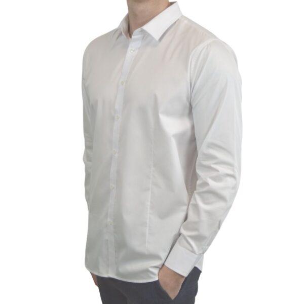 Hvid-smoking-skjorte-modern