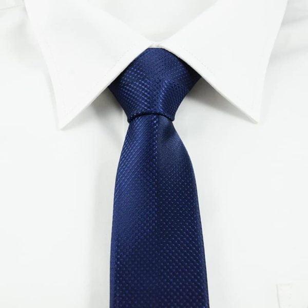klassisk marineblå slips