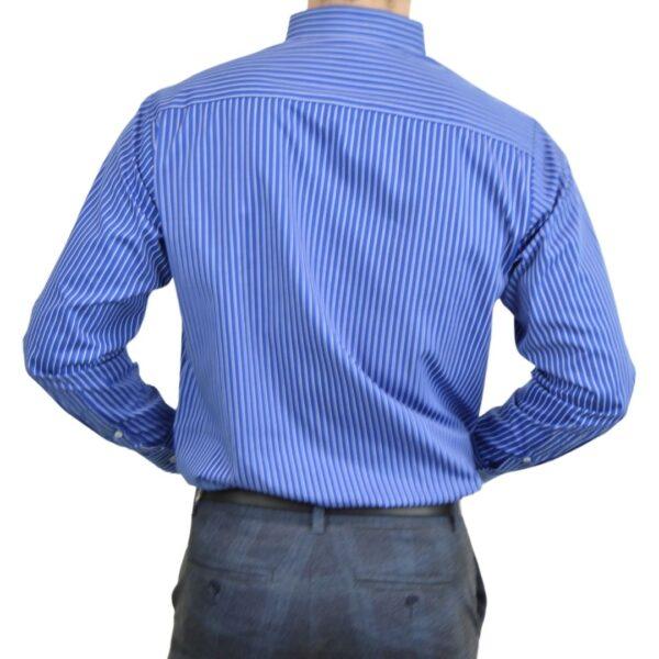 Tailormade-skjorte-blaa-hvid-modern-fit