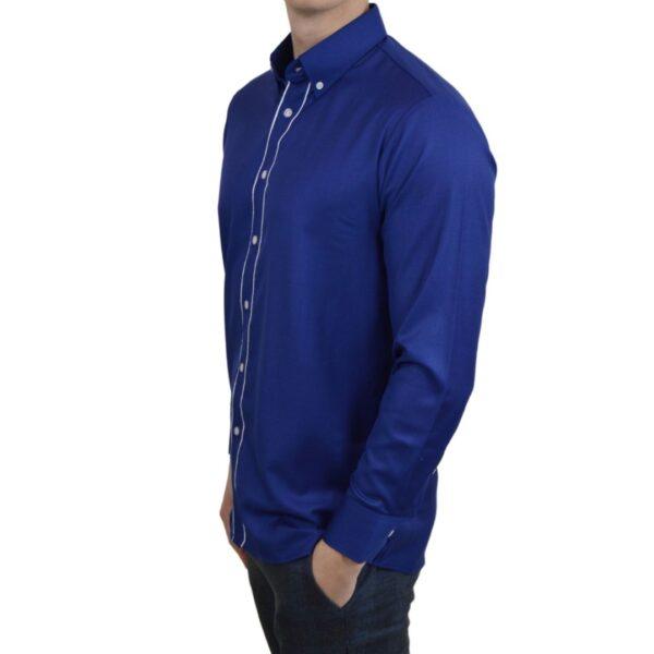 Tailormade-skjorte-blaa-modern