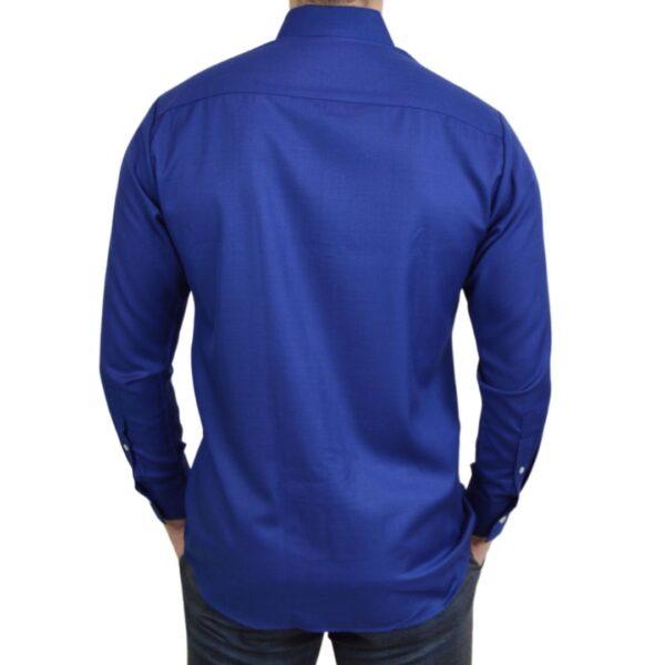 Tailormade-skjorte-blaa-moderne