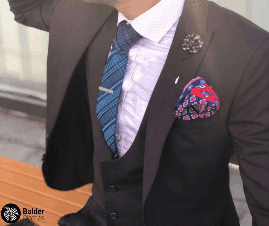 slipsenålens placering