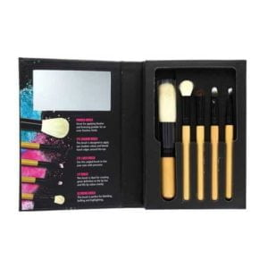W Brush With Me Set Of Make Up Brushes