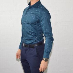 Soe Blaa Skjorte Med Polka Prikker Medium