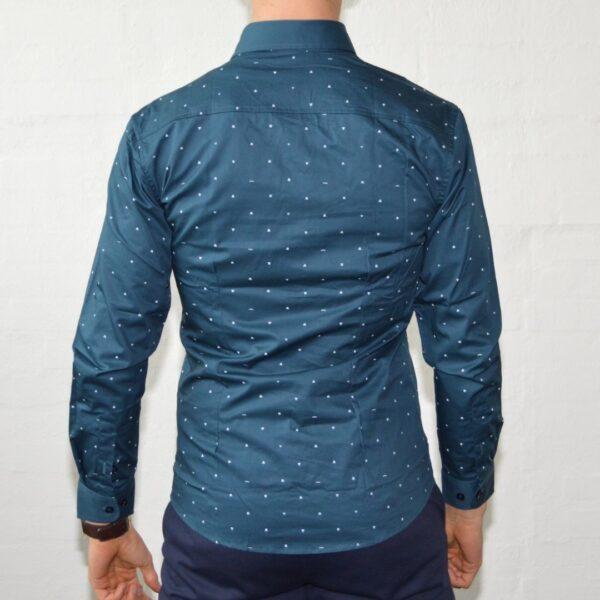 Soe Blaa Skjorte Med Polka Prikker Medium Moenstret