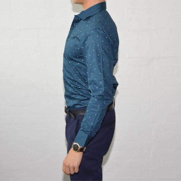Soe Blaa Skjorte Med Polka Prikker Medium Moerkeblaa