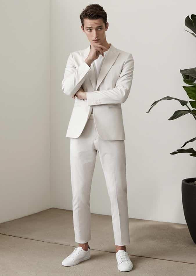 hvidt jakkesæt